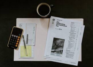 Are refinance closing costs tax deductible?